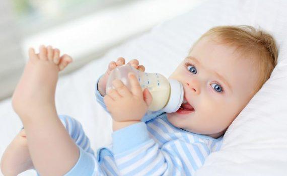 معرفی و راهنمای انتخاب شیرخشک برای نوزاد و کودک